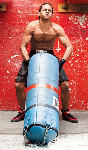 Kum torbasıyla yaptığınız her hareket olabildiğince patlayıcı ve seri şekilde olmalıdır.