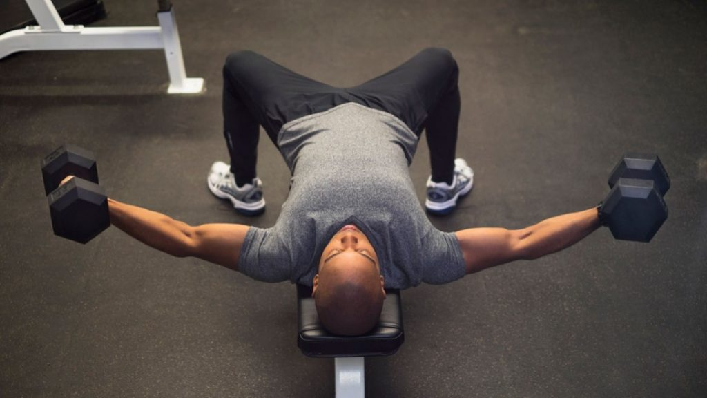 winter-bulk-workout-dumbbell-flye