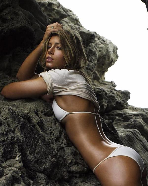 jessica-bielin-seksi-vucudunun-sirri