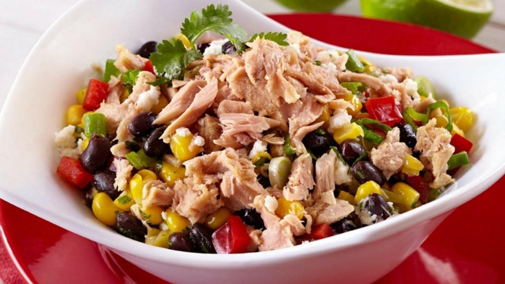 ton balıklı salata ile kaslarınızı patlatın!